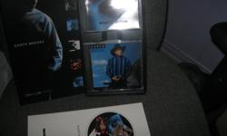 GARTH BROOKS - Box Set The Limited Series - In new condition Includes: 1 book and 6 Cds Cds (included) Garth Brooks Garth Brooks - No Fences Garth Brooks - Ropin' The Wind Garth Brooks - The Chase Garth Brooks - In Pieces Garth Brooks - Fresh Horses ONLY