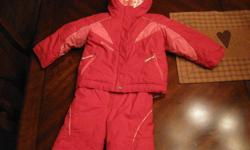 This red and pink Columbia snow suit will keep your little girl exceptional warm this winter. It is in excellent condition with no stains, tears, fading etc..looks new. Also from a smoke free, pet free home. the best part is it can be worn as a coat or