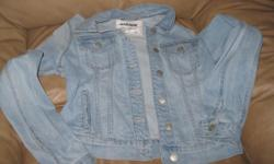 Girls GARAGE jean jacket Size small color - whitewashed blue Retails for $49.95 + Letting go for only $15 can meet in west end of ottawa (kanata) or pickup in Constance bay