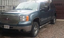 Make GMC Model Sierra 2500HD SLE Z71 Year 2007 Colour Blue kms 245000 Trans Automatic Z71 4X4 Sierra Crew cab 6 1/2 foot box 6 litre Alison 6 speed auto Electric brake control, Gooseneck hitch, Lear truck cap