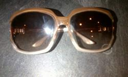 gorgeous Gucci sunglasses, excellent condition, purchased for over $300 last spring.