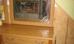 Very Attractive Hall Tree with Mirror, from Smoke free home, Pick up only.
