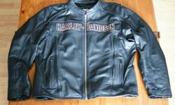 """Harley Davidson """"Roadway"""" Leather Jacket.  Size 2XL.  Only had for 1 season (and only worn about a dozen times), lost some weight, doesn't fit now.  Retails for $450 new."""
