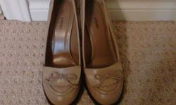 Spring high heel shoes size 8 (worn once)