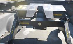 Hijacker Ultra 16K Double Pivot 5th wheel hitch with rails. 3 years old.