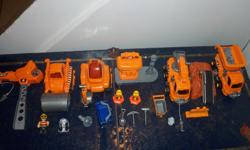 Very good condition, comes with a variety of trucks and little men. All shown on picture.