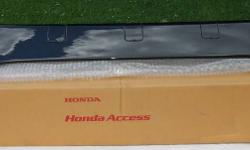 """Factory Honda Fit spoiler new in box. Black   Part # 08F02-SLN-330 List $297.00   Factory Honda Fit Rear Hatch Spoiler 2007 2008   Item # 15   CHECK OUT MY OTHER HONDA PARTS FOR SALE ON THE """"VIEW POSTER'S OTHER ADS"""" BUTTON TO THE RIGHT   I have too many"""