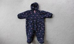 Size 0-12 months European made & purchased. Excellent condition.
