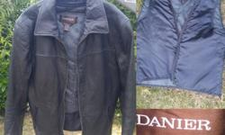 EUC Size XS Men's! Measured lying flat is 20 inches armpit to armpit. Vest makes jacket very warm in winter Interior pockets for phones and more All zippers in perfect condition