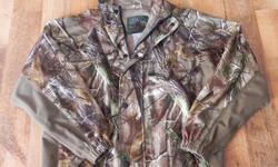 """This jacket is size large in boys,and as only been worn twice.It's in excellent condition.The name brand is """"Mad Dog Gear"""".Paid 150.00 for it brand new.This jacket is wind/waterproof. Asking 75.00 obo"""