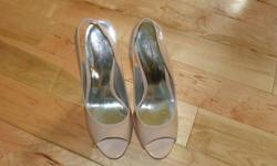 """Jessica Simpson Heals - 5"""" Heal Worn Once Salmon/Light Pink in Color Size 7"""