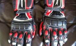 Joe Rocket gloves for sale. Red, black and a little bit of white. Padded and super comfy! Perfect condition. Size large. Thanks! This ad was posted with the Kijiji Classifieds app.