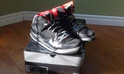 Black/Stealth-Varsity Red Size 13 Good condition Worn a few times indoors 90.00$ obo