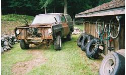 Do you have junk cars, trucks, vans, on your property? Let me turn them into cash for you. Buyer of heavy steel, dump trucks, machinery, farm equipment.Top dollar paid to you. Fast pick up. 748 4752. Cell 761 4131. Eric