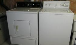 Kenmore washer and dryer  color white. Excellent  working condition and very clean $200.00 for both...705-949-5883..