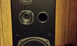 1 set of Kenwood tower speakers with a Technics centre and 2 rear speakers. Centre is 260w, rear are 50w.