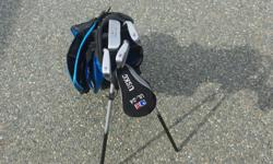 Kids U.S. Golf Clubs, right handed, putter, pitching wedge, 6 and 8 irons and #3 fairway driver plus carry bag, all in very good shape. suited for approx. 6-8 year olds.phone 250-245-2482 ladysmith