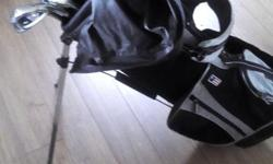 """Uskids golf clubs. Wt-15. Bag and 5 clubs. Barely used. Think they retail for 200. Found on Amazon and golf town. 54"""". Right handed."""