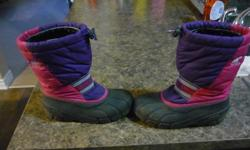 Kids Winter Boots - Sorel Size 3 Good condition Located in Barrhaven