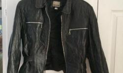 Ladies faux leather jacket (size M). Gently used. Great condition. Brand: Dynamite. Selling because it does not fit me.
