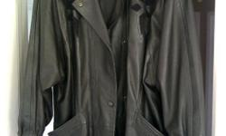 Milan Leatherwear Ladies fall/winter black leather jacket Size M - L Made in India $50