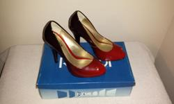 Red/Grey Brand: Rinaldi Size: 6