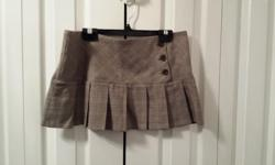 ladies light brown skirt with front buttons Brand: Sirens Size: Med