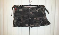 Ladies Green American camo skirt Brand: Kiki Size: 9