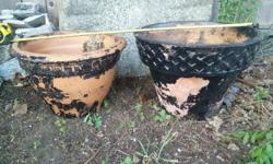 Nice pots, have been painted which will need to be stripped or repainted