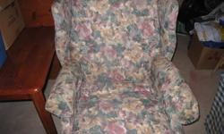 Lay-Z Boy Wing Chair Recliner. Excellent Condition, from a smoke-free and very clean home. Please contact with best offer.