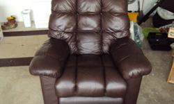Ultimate recliner Lazy Boy Brand High end leather with full stretch out recliner Non Smoking house No Pets $400 o.b.o