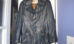 """$20 o.b.o. We believe it is medium size, but there is no label with the size on it. Tag says """"Life Style fashions exclusively at Jack Fraser"""". We want it gone as it's taking room in our closet."""