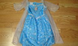 I have a Like New Disney Frozen Sound and Light Dress Size 4-6Xfor sale! This is in excellent condition and would look great on your child or loved one or to give as a gift. This retails for $30 in stores so this is a great deal. Look enchanting in Elsa's