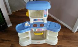 Little Tikes Kitchen. No accessories. Asking $25 40 inches wide, 42 inches tall and 21 inches deep.