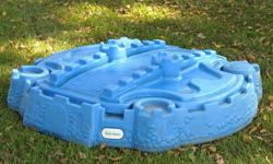 Little Tykes Sand Box in Great Condition! $15.00 Firm. Call (519) 809-4705 to make arrangements.