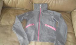 LULULEMON Athletica Jacket Size 6 Color - Grey / Pink Good condition $25 Can meet in west end of ottawa (kanata) or pickup in Constance Bay