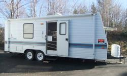 1998-24' Mallard by Fleetwood, sleeps 6, air conditioning, furnace, hot water, Microwave, 3 burner stove,  oven, tub and shower,  full awning, very clean, like new, must be seen