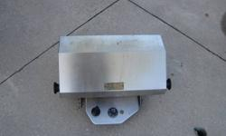 Stainless steel marine bbq.  Great condition! Si-Port 11 sport supreme, party size. Cover included