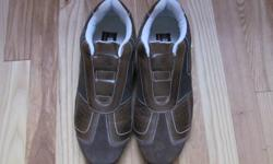 SOUTHPOLE BRAND- SIZE 10 MEN`S SHOES. SLIP ONS- NO LACES.  BARELY WORN LIKE NEW, ASKING ONLY 20$
