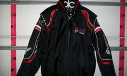 NEVER WORN IN EXCELLENT CONDITION VERY WARM INNER LINER SIZE XL PLEASE CALL 705 571 6683