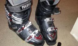 Technica hot form intermediate-advanced boot used for 4 seasons (about 60 days). The hot form allows you plug in and heat up the liner then put the boots on and tighten them up and they will mould to your foot for a custom fit.