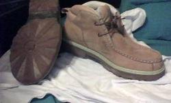 mens timberlands size 11 in very good condition.....email if interested