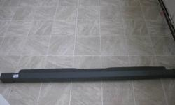 Mercedes-Benz Roll-Out Cargo Cover/Shade, dark grey, Part # A163 860 00 75 1. In excellent condition. $175 firm. Pickup in Bracebridge or Barrie.