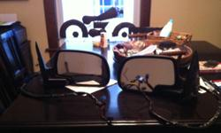 Power mirrors off a 2006 2500hd With signals in mint condition. Asking $175.00 O.B.O. This ad was posted with the Kijiji Classifieds app.