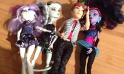 4 monster high dolls excellent condition plus summer scare book