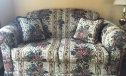 Floral Living Room Set - Couch, Loveseat, Chair + 4 Matching Pillows. Excellent Condition Smoke Free Home Call or Text