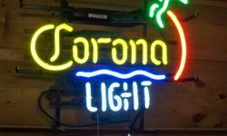 I HAVE DECIDED TO SELL MY NEON SIGN COLLECTION I HAVE ABOUT 40 OLD AND COLLECTABLE SIGNS AND BEER STEINS ETC.