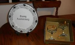 NEW ANNIVERSARY PLATE AND GLASSES SAYS 25TH ON GLASSES $10