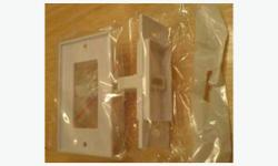 Brand New -HDMI V1.3 Wall Plate -With Entension cable to give more room for wiring behind the wall plate -Gold Plated Visit http://www.canadacableshop.ca/ for more HDMI cable, wall plate, adapter, switch, splitter, extender, matrix, converter etc.