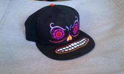 New 59FIFTY New Era 'Muerto' theme cap $39.99 price tag still attached Size: 7 7/8, 62.5 cm $20